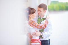 Beaux couples dans l'amour photos dans des tons doux Photos stock