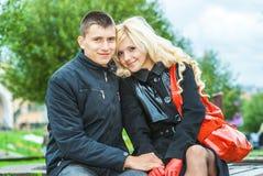 Beaux couples dans la séance d'amour Photographie stock