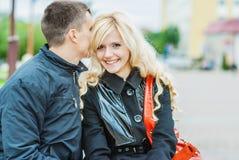 Beaux couples dans la séance d'amour Photo libre de droits