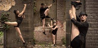 Beaux couples de la danse d'artistes professionnels Photographie stock