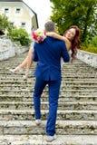 Beaux couples de sarclage Photo stock