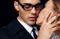 Beaux couples passionnés sensuels histoire d'amour de bureau Images stock