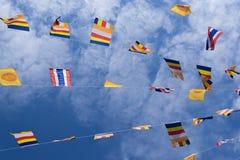 Beaux drapeaux et ciel thaïlandais Photo libre de droits