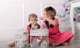 Beaux enfants sur le plancher Photo stock