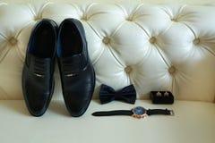 Beaux et élégants accessoires du marié image stock
