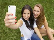 Beaux et heureux étudiants Photo libre de droits