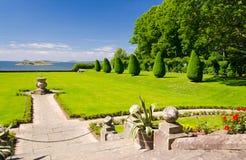 Beaux jardins de château Photographie stock
