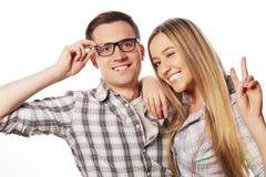 Beaux jeunes couples affectueux Photo stock
