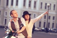 Beaux jeunes couples heureux Image libre de droits