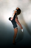 Beaux jeunes couples sur le mouvement Photo libre de droits