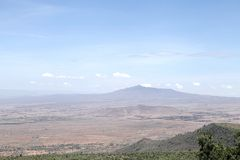 Beaux mamelons et volcan de Mt Longonot en vallée du Grand Rift du Kenya Photo stock