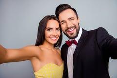 Beaux, mignons, souriants, attirants, sexy couples, mari et épouse Photos stock