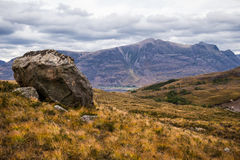 Beaux montagnes et loch Torridon, Ecosse, R-U de Wester Ross Photos stock