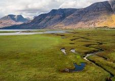 Beaux montagnes et loch Torridon, Ecosse, R-U de Wester Ross Images stock