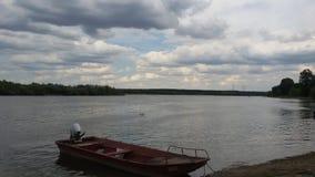 Beaux nuages au-dessus de Danube Photographie stock libre de droits