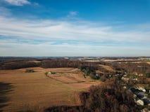 Beaux nuages au-dessus du comté de York du sud rural dans la nouvelle liberté, image stock