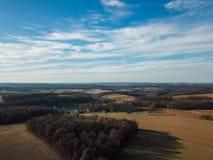 Beaux nuages au-dessus du comté de York du sud rural dans la nouvelle liberté, image libre de droits