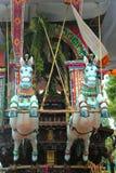 Beaux ornements de la voiture parivar de temple au grand festival de voiture de temple du temple thyagarajar de sri de thiruvarur photos stock