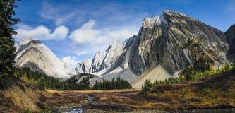 Beaux paysages de montagne de chute Images libres de droits