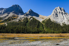 Beaux paysages de montagne en automne Image libre de droits
