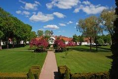 Beaux pelouse et jardin Photos stock