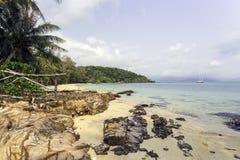 Beaux plage et bord de la mer thaïlandais Photo stock