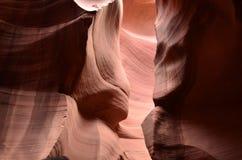 Beaux remous sur les murs rouges de roche du canyon d'antilope photos stock