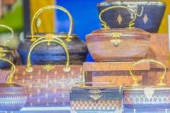 Beaux sacs à main de dame et vannerie qui a fait à partir du Lygodium (fougère de s'élever), ou lipao de Yan dans thaïlandais, le images libres de droits