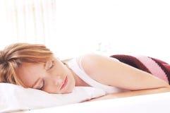 Beaux sommeils de femme images libres de droits