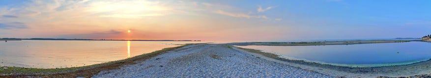 Beaux tirs de coucher du soleil pris à la plage de Laboe en Allemagne le jour ensoleillé d'été de s images libres de droits