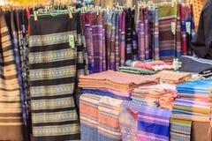 Beaux vêtements tribals thaïlandais et style tribal de textile dans l'aucun Photo libre de droits