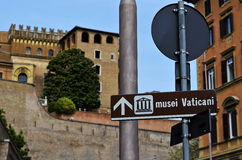 Beaux vieux hublots à Rome (Italie) photographie stock libre de droits