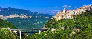 Beaux villages de l'Italie - le Colledimezzo en l'Abruzzo, Di de Lago Image libre de droits