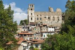 Beaux villages médiévaux de l'Italie - le Dolceaqua Images libres de droits