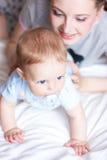 bebé adorable con la madre Fotografía de archivo libre de regalías