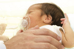 Bebé adulto y recién nacido Foto de archivo