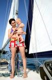 Bebé a bordo yachting Imágenes de archivo libres de regalías