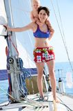 Bebé a bordo yachting Fotos de archivo