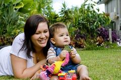 Bebé com matriz Foto de Stock Royalty Free
