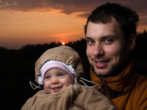 Bebé con el papá Foto de archivo libre de regalías