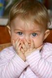 Bebé con la expresión Foto de archivo libre de regalías