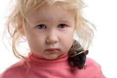 Bebé con la rata Imagen de archivo libre de regalías