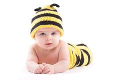 Bebé confuso lindo en traje de la abeja Fotos de archivo libres de regalías