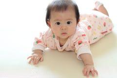 Bebé de arrastre Fotos de archivo