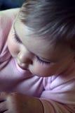 Bebé de exploración Fotografía de archivo libre de regalías