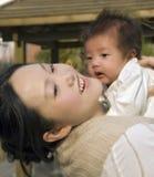 Bebé de la explotación agrícola alto Foto de archivo
