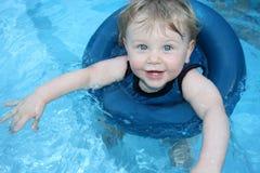 Bebé de la natación imagen de archivo libre de regalías