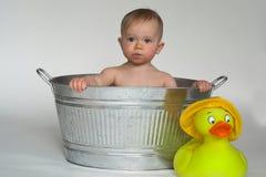 Bebé de la tina Fotos de archivo libres de regalías
