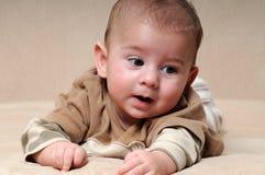 Bebé de los objetos curiosos Fotografía de archivo libre de regalías