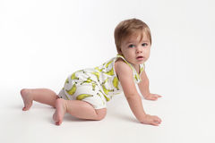 Bebé de rastejamento imagem de stock royalty free